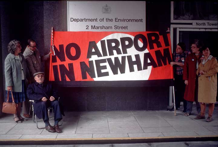 No Airport banner